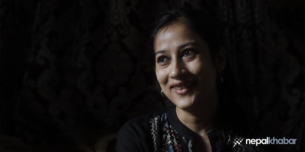 जब आफैँ खुसी हुनथालिन्, ऐश्वर्यारानी युनिभर्सिटी टप भइन्