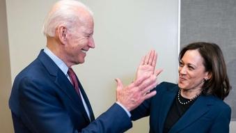 हारे ट्रम्प, लयमा फर्कियो अमेरिकी नेतृत्व