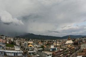 देशैभरको मौसम बदली, काठमाडौं उपत्यकासहित केही ठाउँमा रातिदेखि नै वर्षा